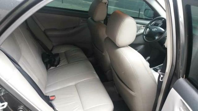 Corolla Brindado Completo automático 2005 valor 18.000 mil na troca considerado a tabela - Foto 5