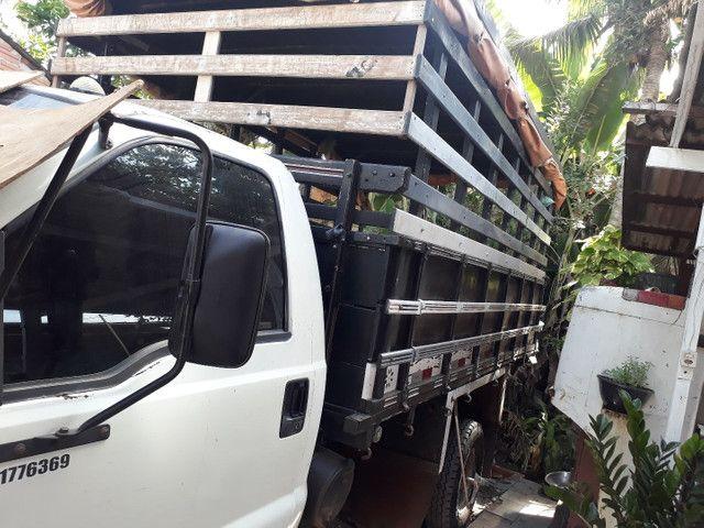 mudanças e cargas (caminhão fechado)
