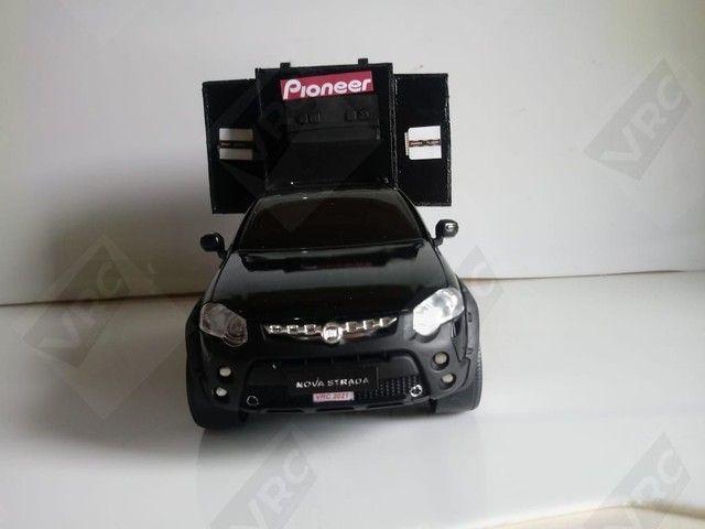 Miniatura Fiat Strada com mini paredão - Foto 2