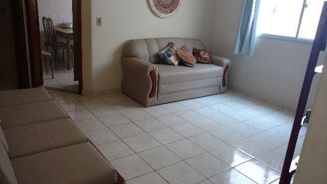 Apartamento 2 quartos sendo 1 suite, dependência de empregada