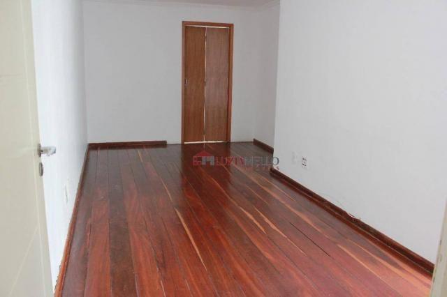 Apartamento de três quartos, com varanda. Núcleo Bandeirante.