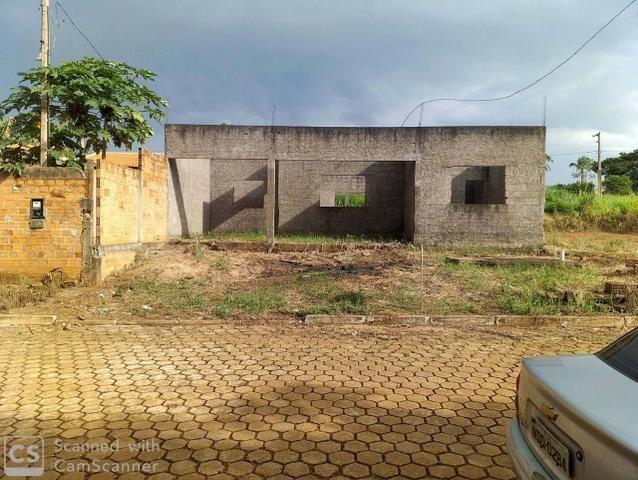 Vendo Terreno com Construção Jaru-Ro