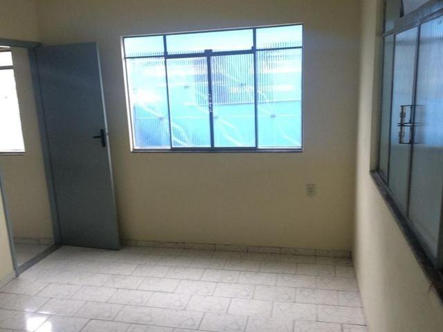 Ótima casa recém reformada no Bairro Aeroporto - Foto 4