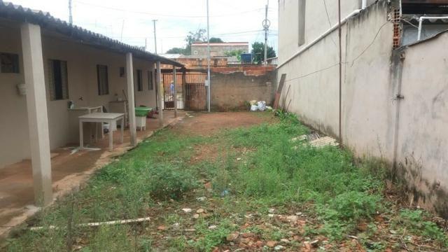 Otimo Lote 300 m² com 2 Barracos Cond. Dom Francisco - Foto 10