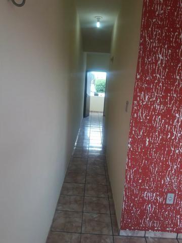 Alugo apto grande de 01 quarto com área de serviço/ 1ºandar-Conj:Araturi novo - Foto 2