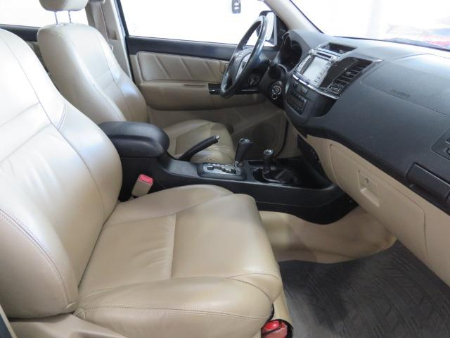 Toyota Hilux SW4 3.0 TDI 4x4 SRV 7L 2015 - Foto 6