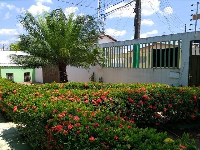Alugo Linda casa Com Piscina no Parque 10 com 5 Quartos e 2 Suítes - Foto 19