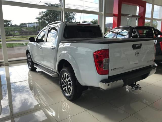 NISSAN FRONTIER 2.3 LE AT 4X4 - Foto 5
