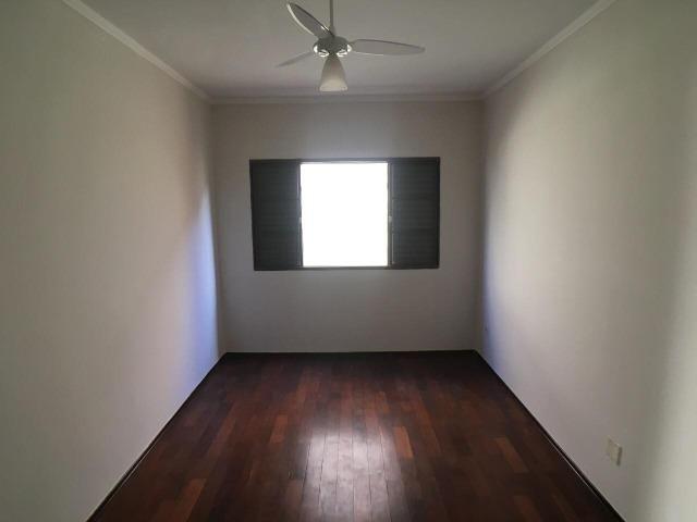 Aluga casa com 5 quartos no bairro Fátima II - Foto 6