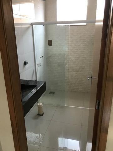 Casa nova 150m em condomínio fechado - suite - closet - area de churrasco - Foto 3