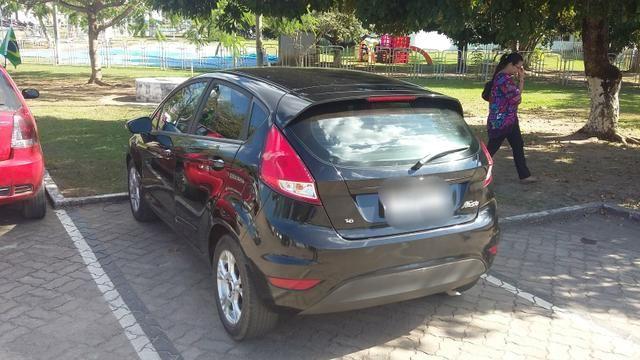 New Fiesta Hatch. Carro da Família. - Foto 2