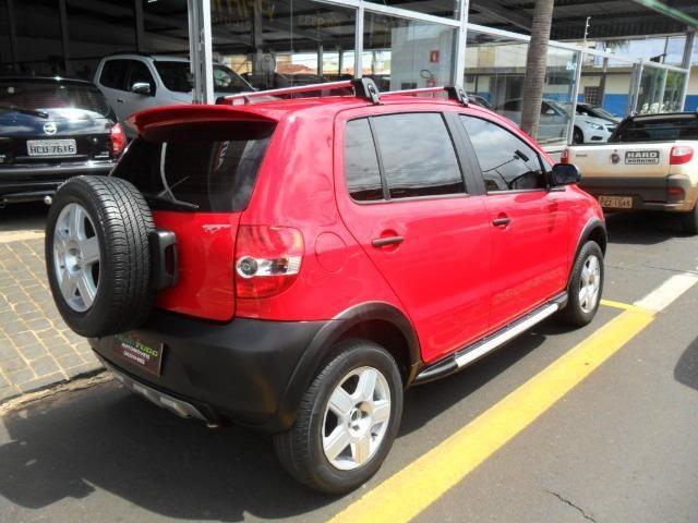Vw - Volkswagen Crossfox 1.6 09/10 completo. Vende/troca/financia - Foto 3