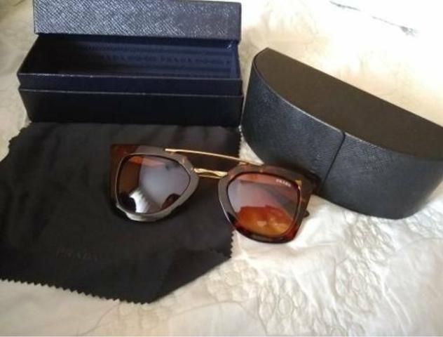 07577a729 Óculos de sol Prada original - Bijouterias, relógios e acessórios ...