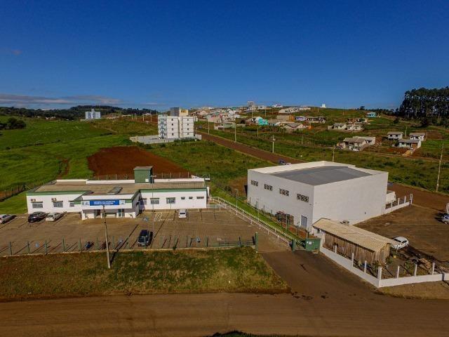 Vende-se terrenos de esquina de 450m² no Loteamento Colina Verde - Foto 3