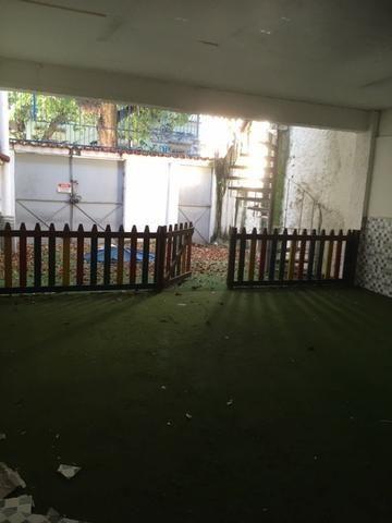 R$ 1.500.000,00 Casa pertinho do Colégio Militar na Tijuca com espaço construir prédio - Foto 11