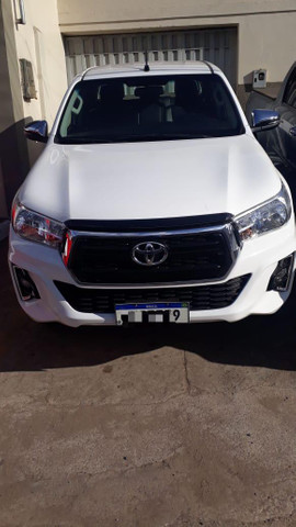 Vendo Toyota Hilux - Foto 2