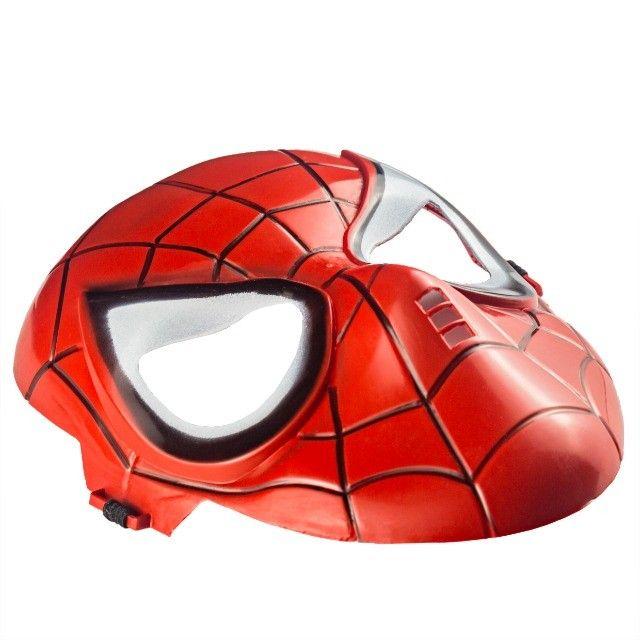 Máscara do Homem Aranha Plástico Super Herói Com Tira Ajustável - Foto 2