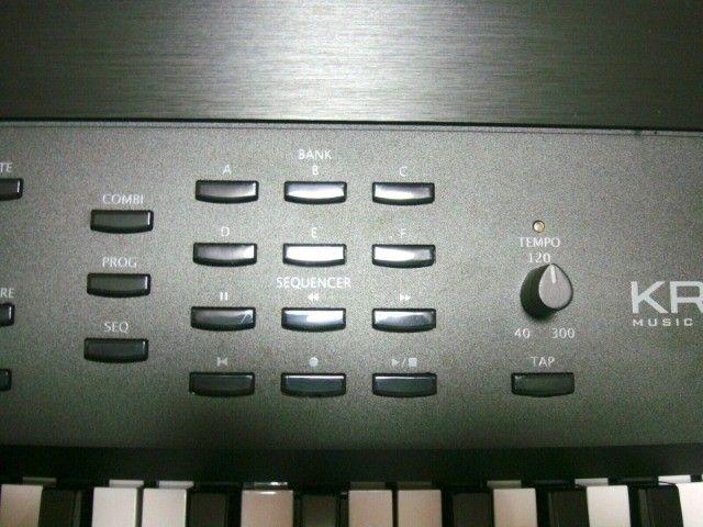 Sintetizador Korg Krome 73 - Foto 2