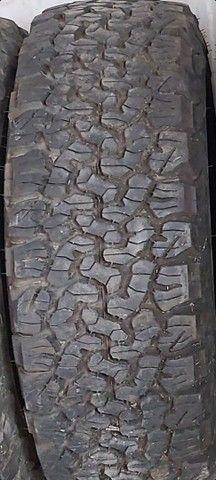 pneus o par (2) 235/75 R15 BF Godrichif  - Foto 2