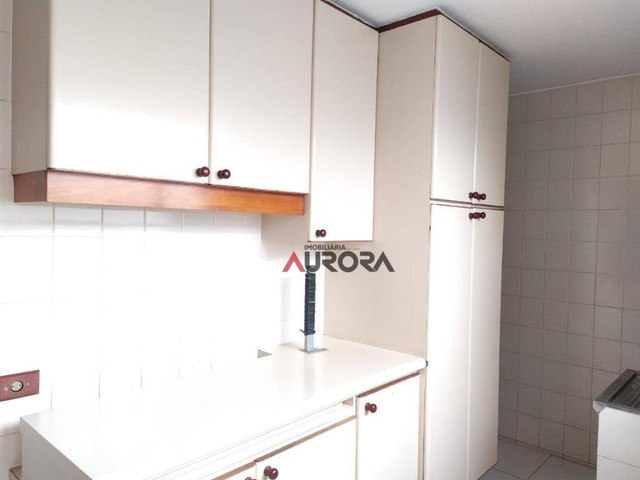Sobrado com 4 dormitórios para alugar, 370 m² por R$ 5.700,00/mês - Araxá - Londrina/PR - Foto 11