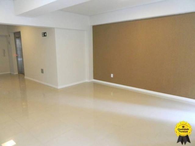 Apartamento 3 quartos, 2 vagas, elevador, ótima localização. - Foto 11