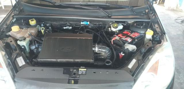 Vendo Ford Fiesta Sedan 2012 1.6 - Foto 6