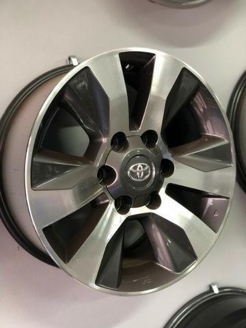 Rodas Aro 17 Toyota Hilux Original SRV Graphite Diamond - Foto 11