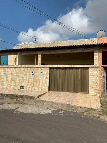 Casa no Parque Universitário em condomínio