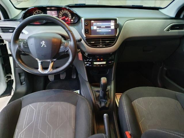 Peugeot 208 Allure - 16,9 km/l - Foto 4