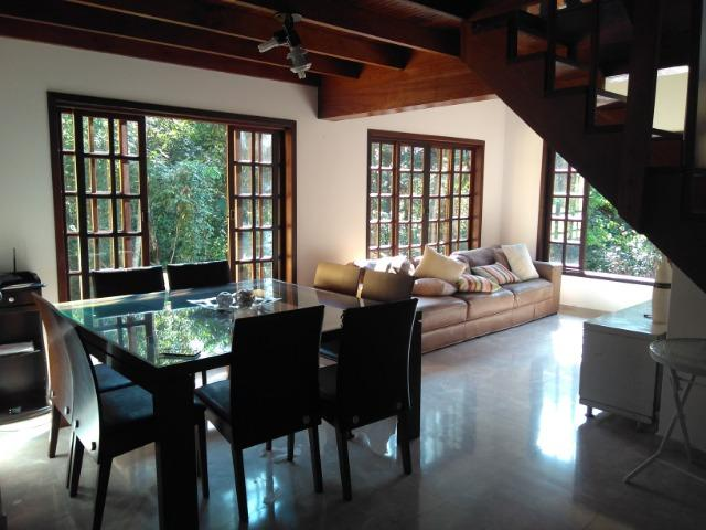 Chácara com casa de alto padrão e com linda e imensa piscina.(Tel. *) - Foto 8