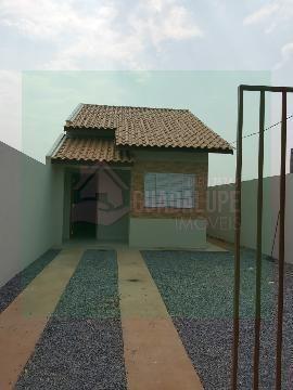 Casa residencial próximo da Av. Julio Campos