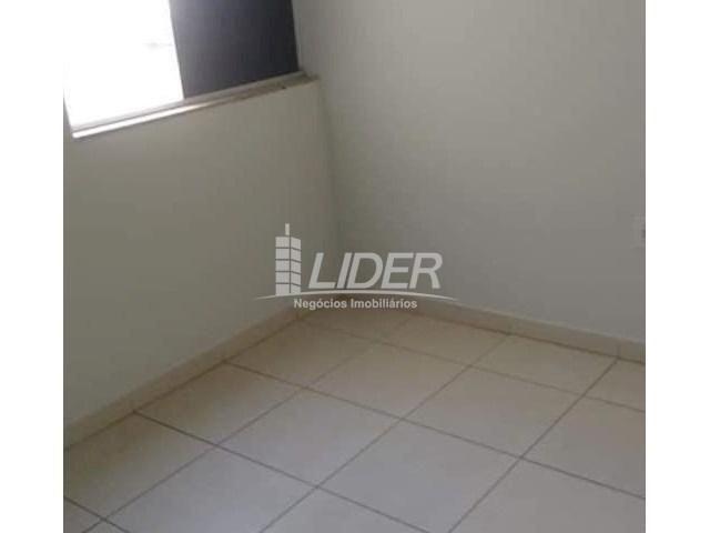 Casa de condomínio para alugar com 2 dormitórios em Saraiva, Uberlândia cod:864946 - Foto 11