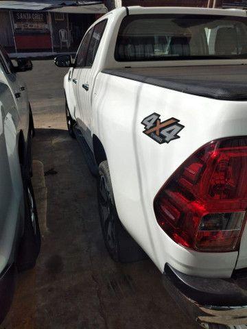 Vendo Toyota Hilux - Foto 5