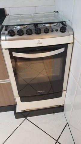 Fogão 4 bocas eletrolux chef grill.  - Foto 2