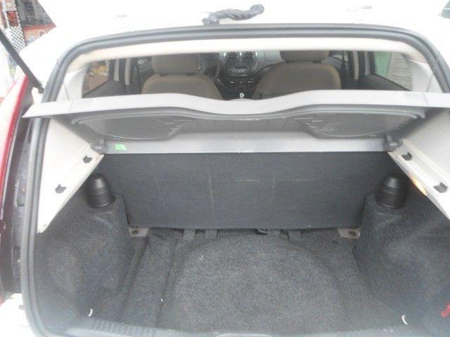 tenho um carro palio ano 2015 semi automático, em troco no carro aberto vertentes - Foto 2