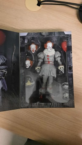 Action figure Pennywise IT original Neca