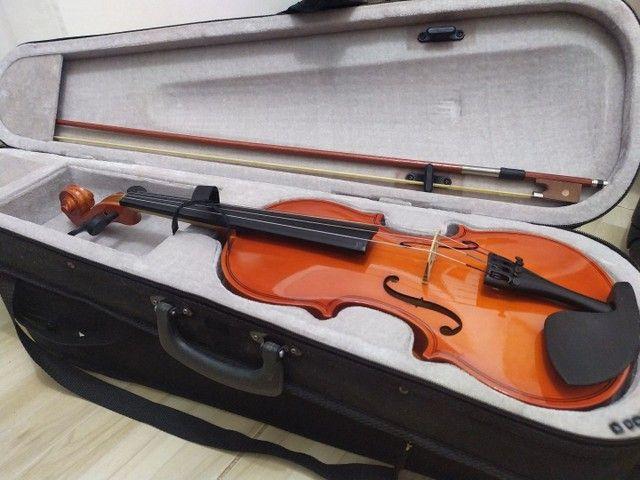 Vendo 2 Violinos em ótimo estado e pouco tempo de uso. R$385,00 cada um - Foto 2
