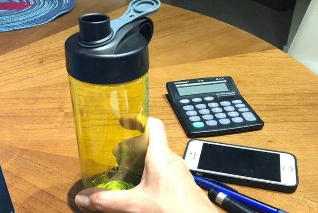 Garrafinha Squeeze Agua Suco Transparente, Garrafa D'água 473 ml - Foto 3