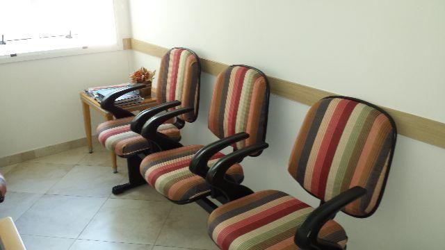 Cadeira longarina 3 lugares