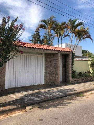 Aluga casa com 5 quartos no bairro Fátima II - Foto 3