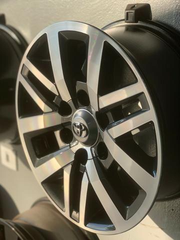Rodas Aro 17 Toyota Hilux SRX - Foto 5