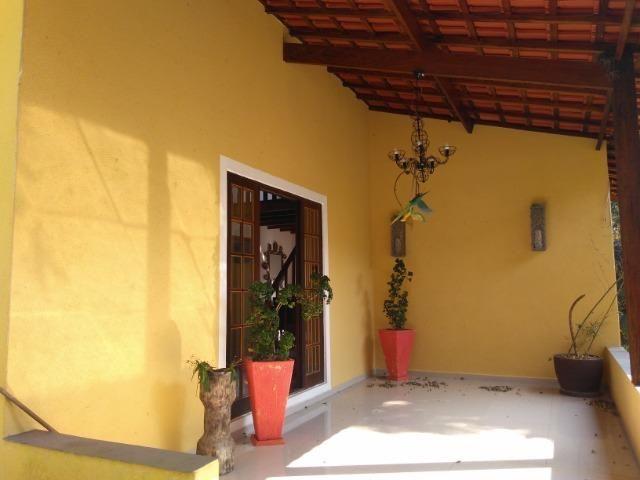 Chácara com casa de alto padrão e com linda e imensa piscina.(Tel. *) - Foto 7