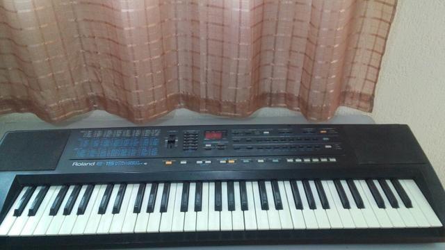 Teclado roland E15 - Instrumentos musicais - Vila Hortência