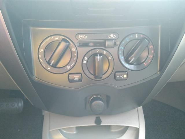 Nissan Livina 1.8 2010 Câmbio Automático - Foto 17