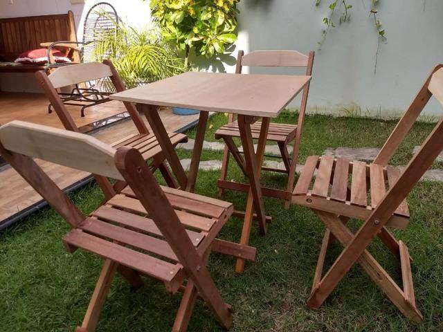 Mesa e cadeiras sem pintura . balcão pra açai e sorveteria e moveis em geral sob medida