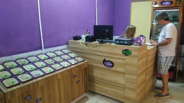 Mesa e cadeiras sem pintura . balcão pra açai e sorveteria e moveis em geral sob medida - Foto 5