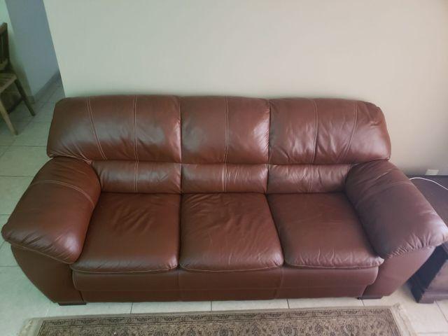 Sofa 100% couro legitimo 3 lugares