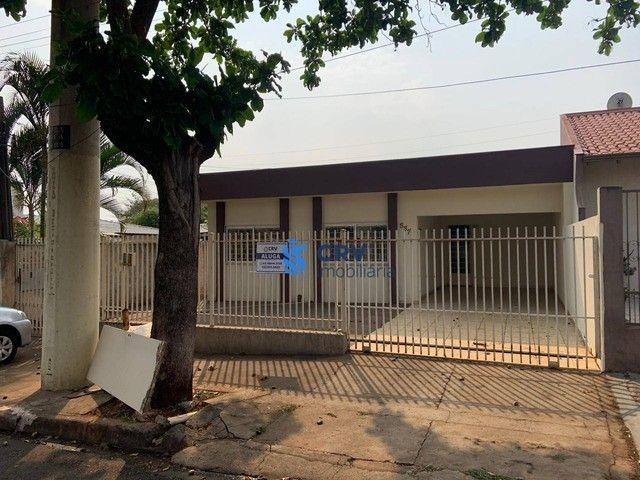 Casa com 4 dormitórios e 130m² de área útil - Messiânico - Londrina/PR