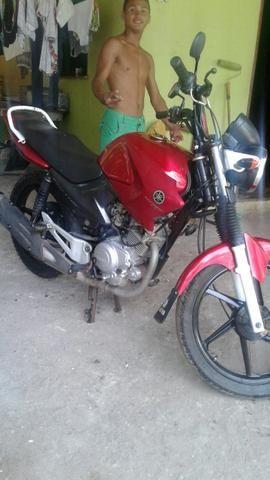 Moto factor ybr 125 e bem conservada