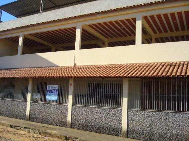 Casa localizada bairro IBC , com 03 quartos, suite closed, 02 vagas de garagem